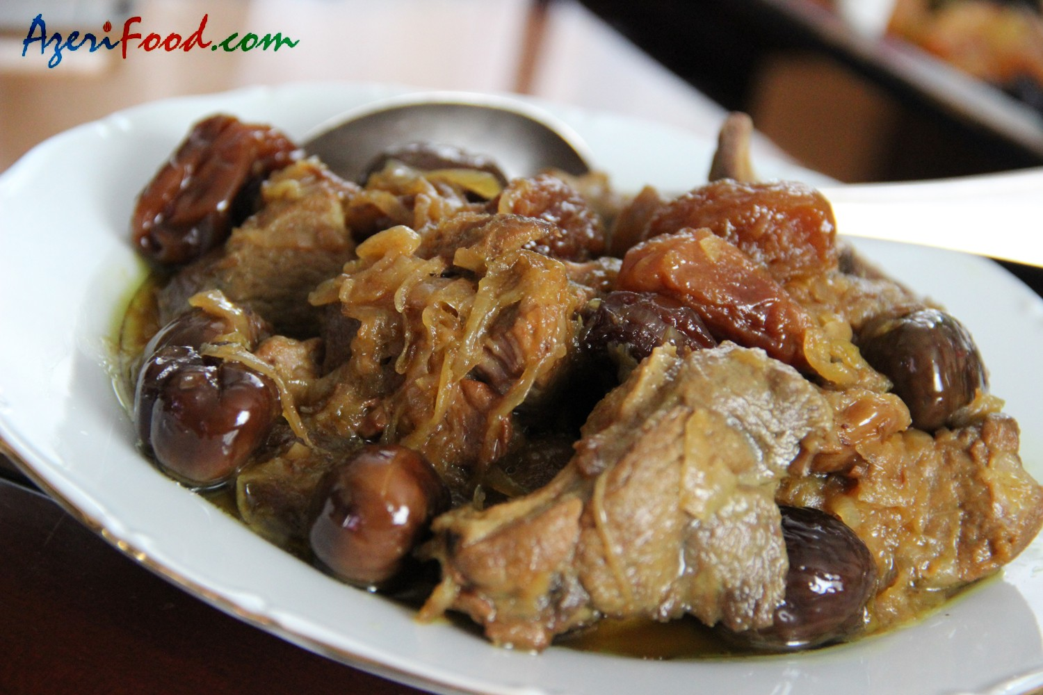 Lamb stew with chestnuts and dried fruit